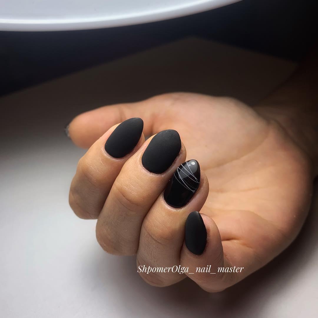 черный маникюр 2019 фото_20