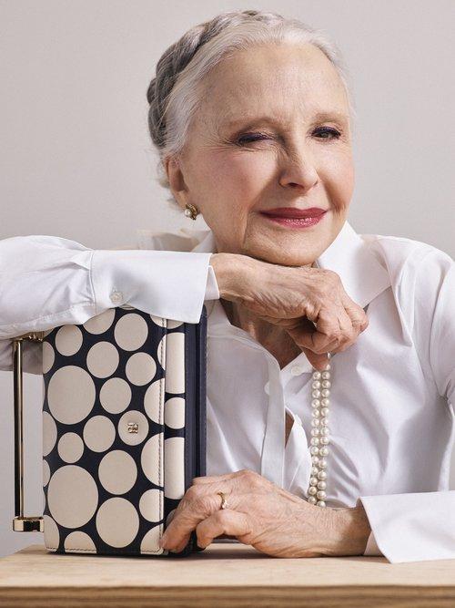 причёски для женщин старше 60 лет фото 14