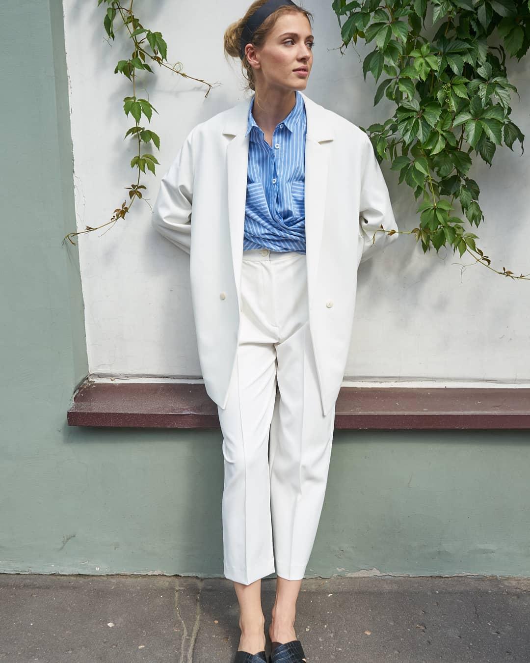С чем носить широкие брюки фото 16