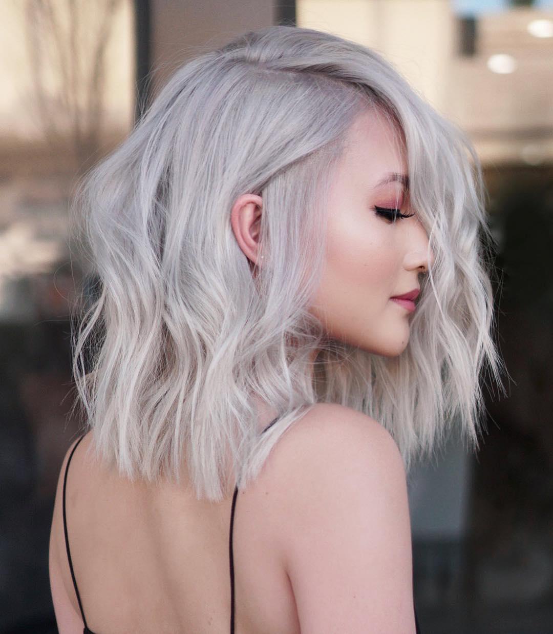 причёски для волос средней длины фото 8