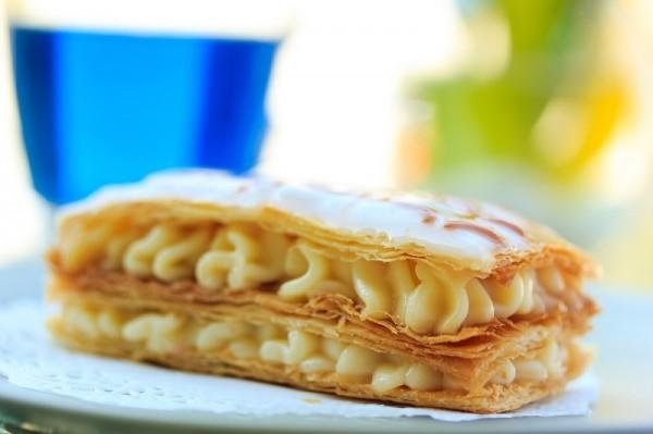 Рецепт пирожных со сгущенкой