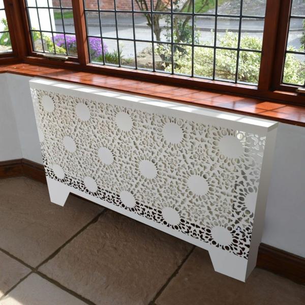 идея украшения гостиной сделать крышку радиатора