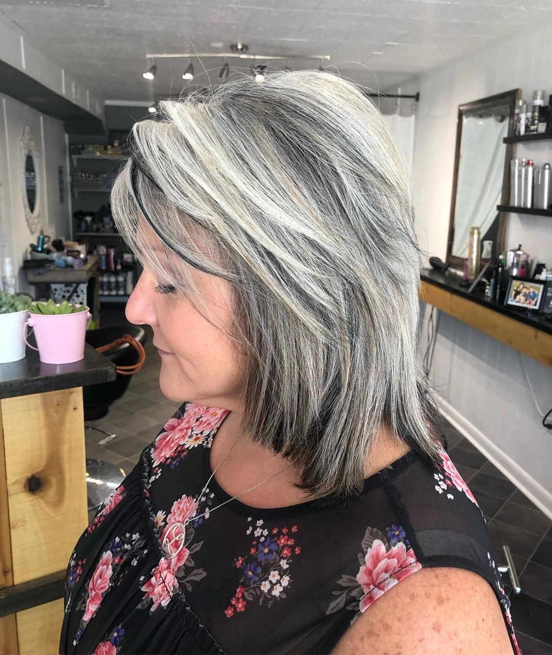 градуированные стрижки для женщин 40-50 лет фото 6