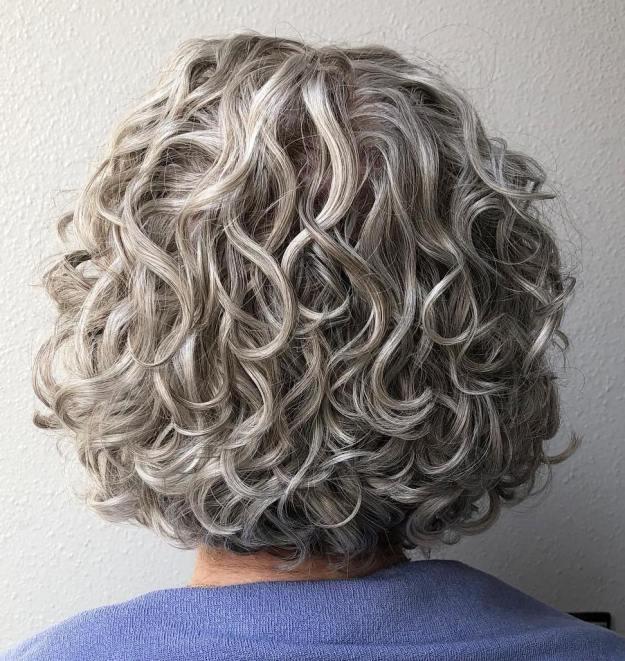 стрижки для женщин старше 60 лет фото 12