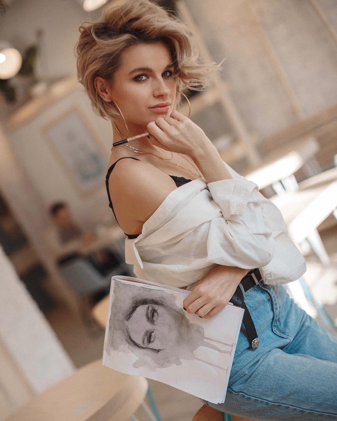 top 10 stilnyh i modnyh strizhek dlja zhenshhin