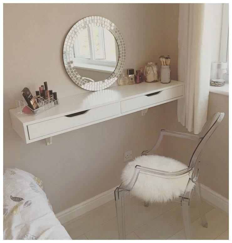 Туалетный столик в маленькой спальне: отличные идеи для реализации