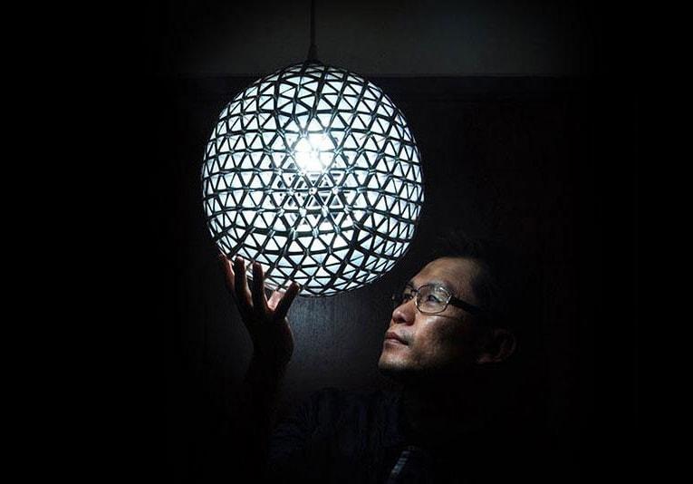 udivitelnyj abazhur iz paketov ot soka. laureat konkursa svetovogo dizajna bright ideas