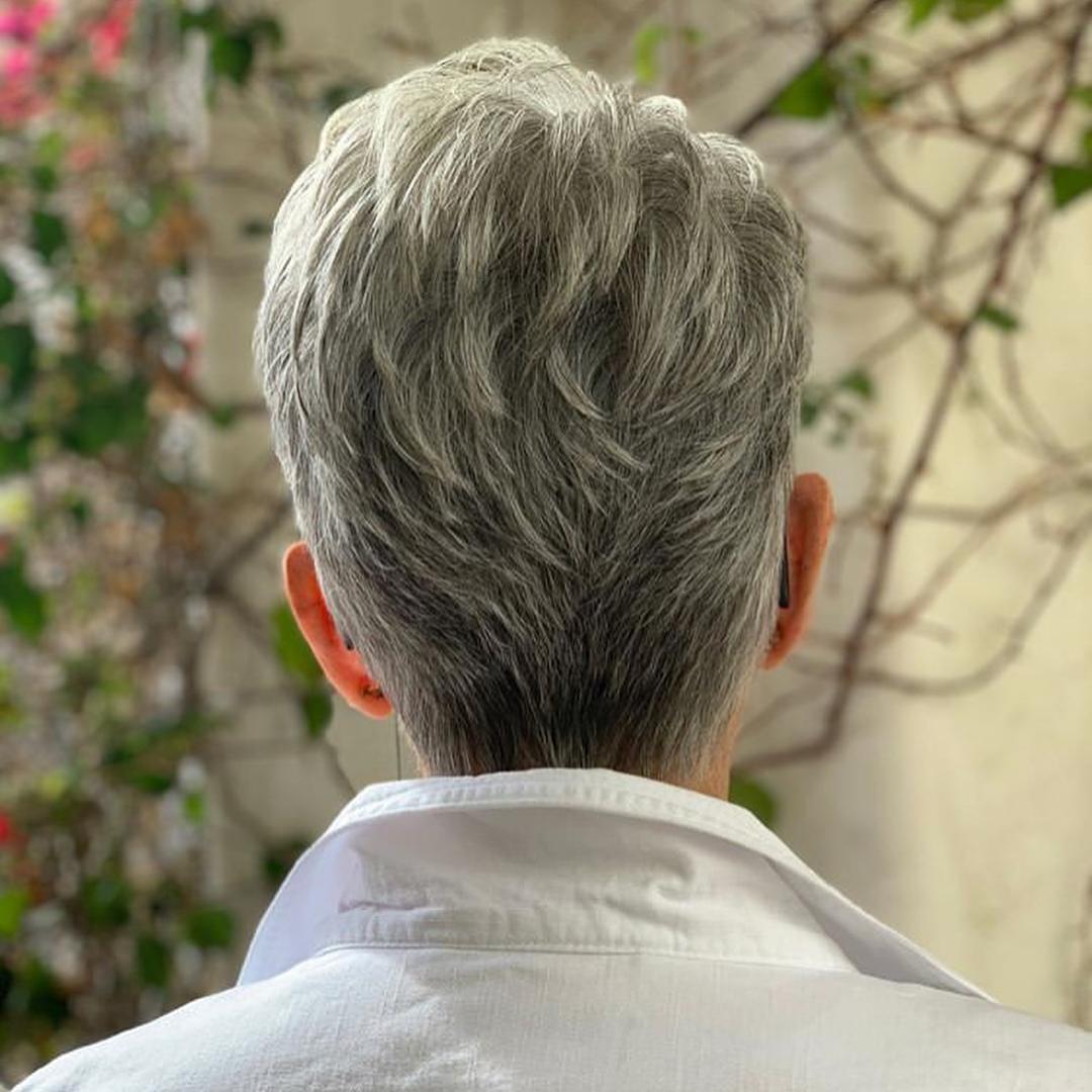 Стрижки после 50 лет на тонкие волосы фото 5