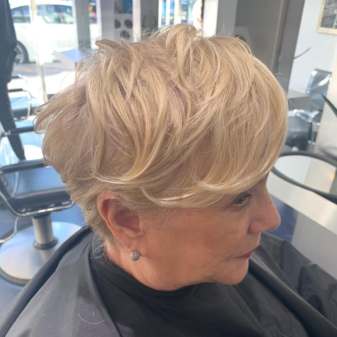Стрижки после 50 лет на тонкие волосы фото 4