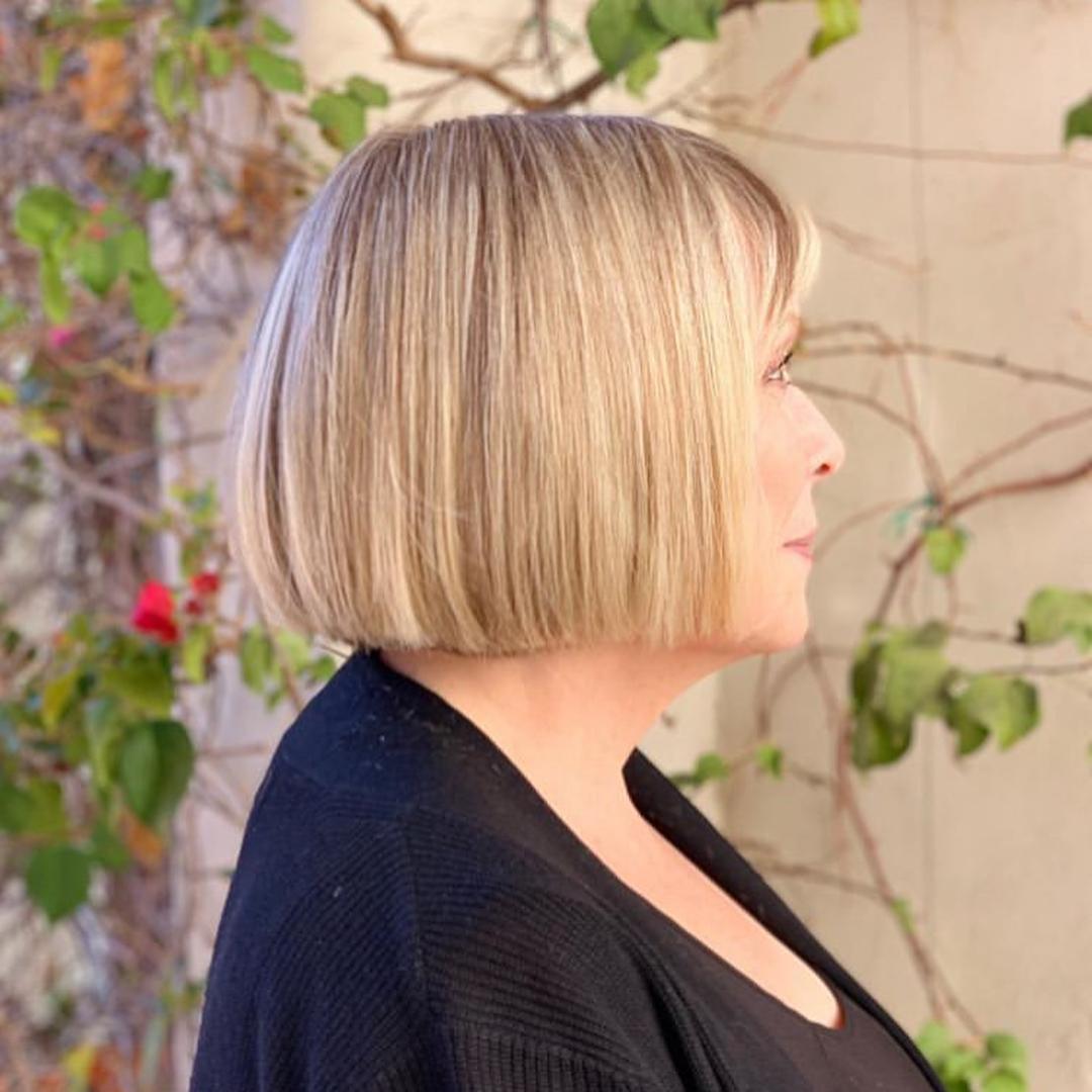 Стрижки после 50 лет на тонкие волосы фото 10