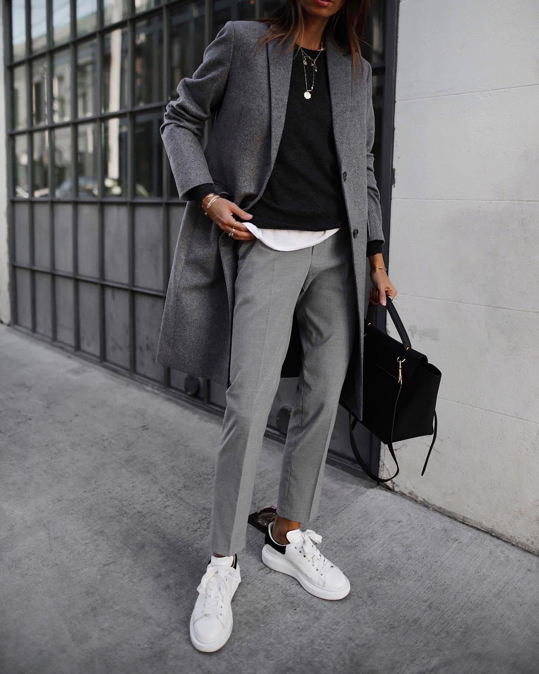 серые брюки фото 7