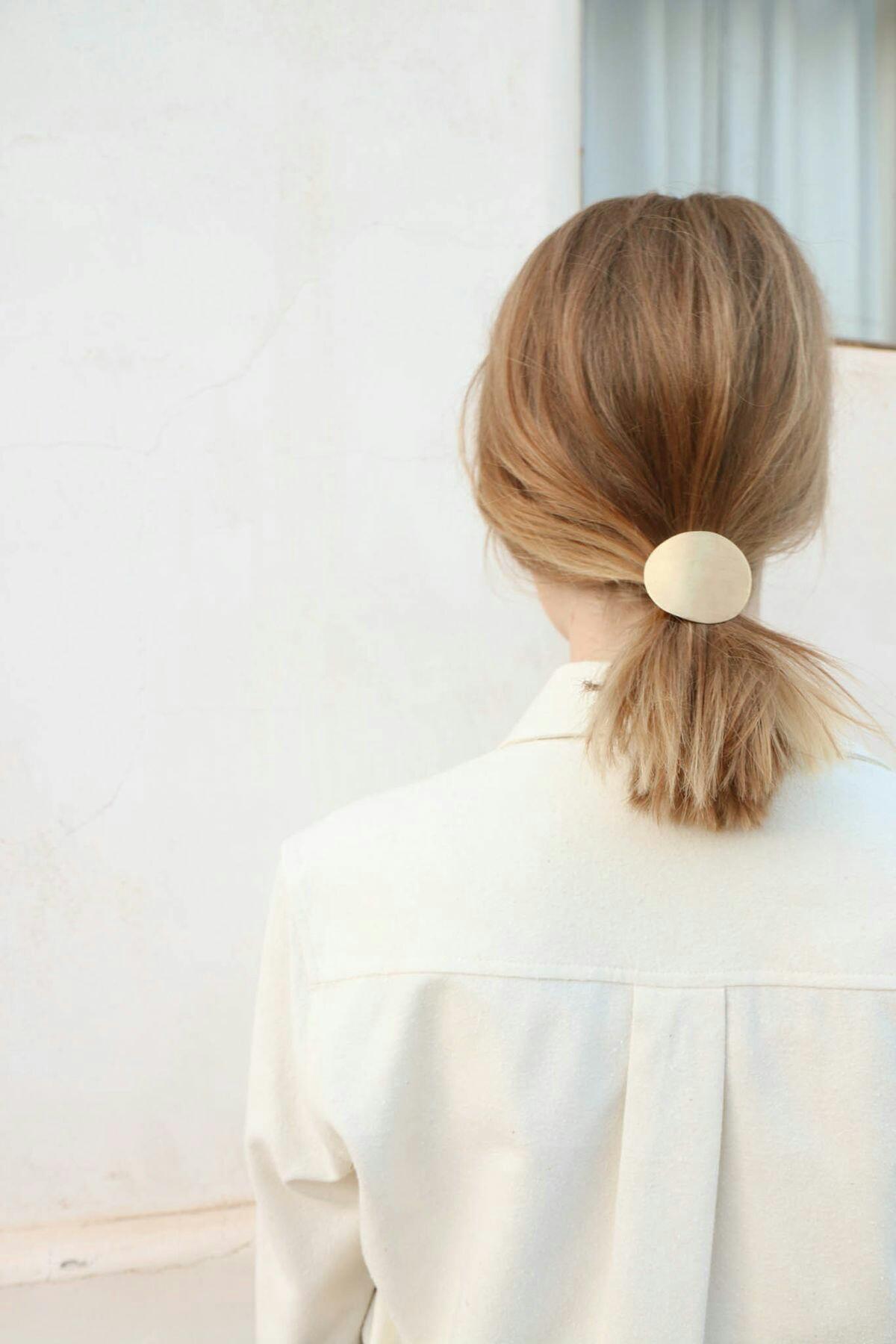 Хвост на средние волосы фото 9