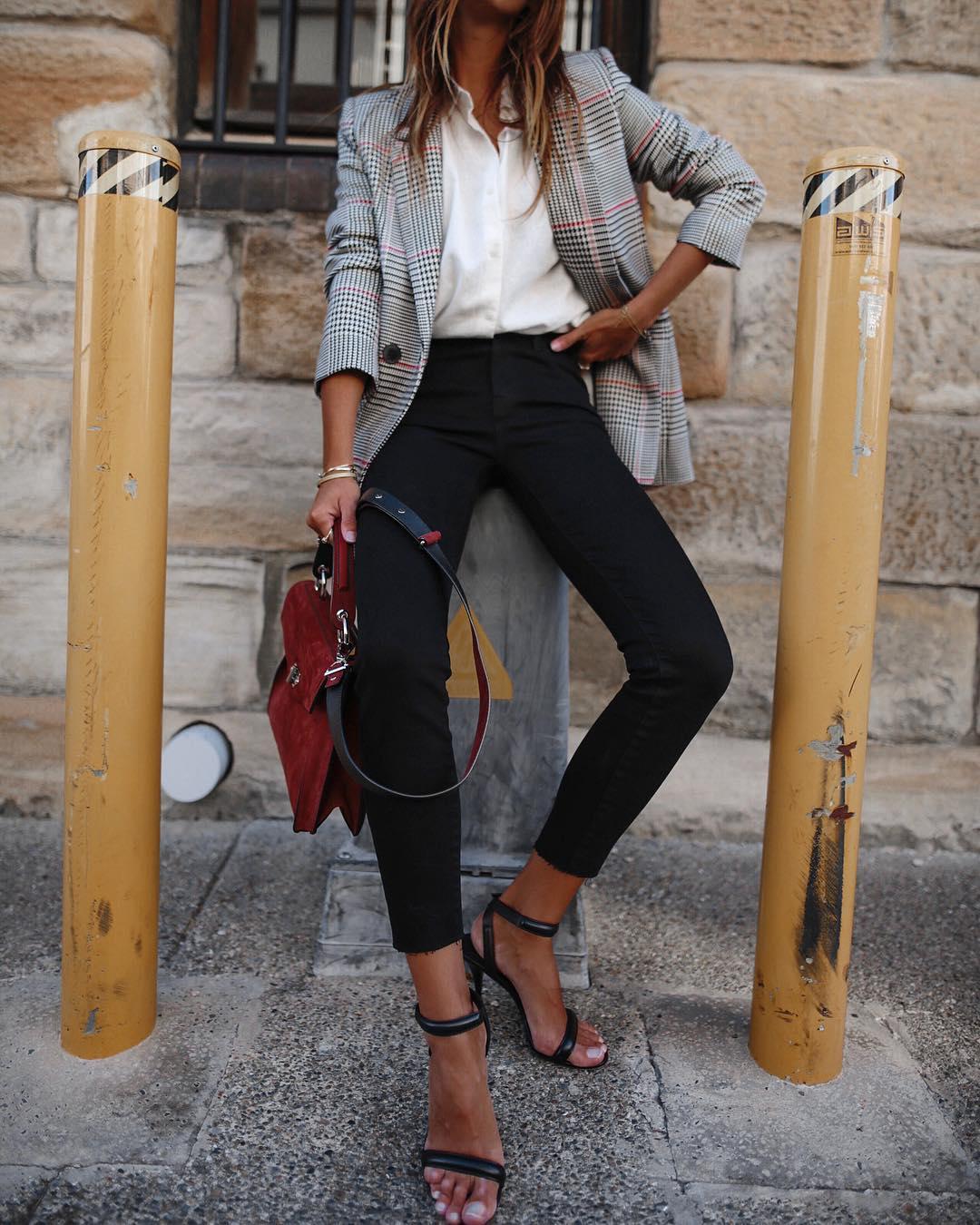 белая рубашка с джинсами фото 4