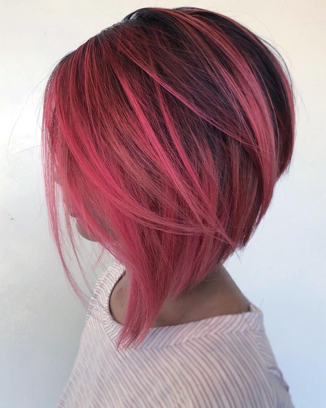 Укладка на короткие волосы с объемом фото 3