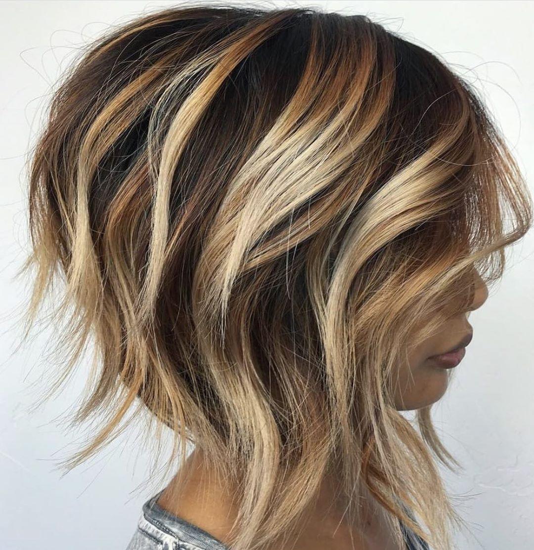 Укладка на короткие волосы с объемом фото 7