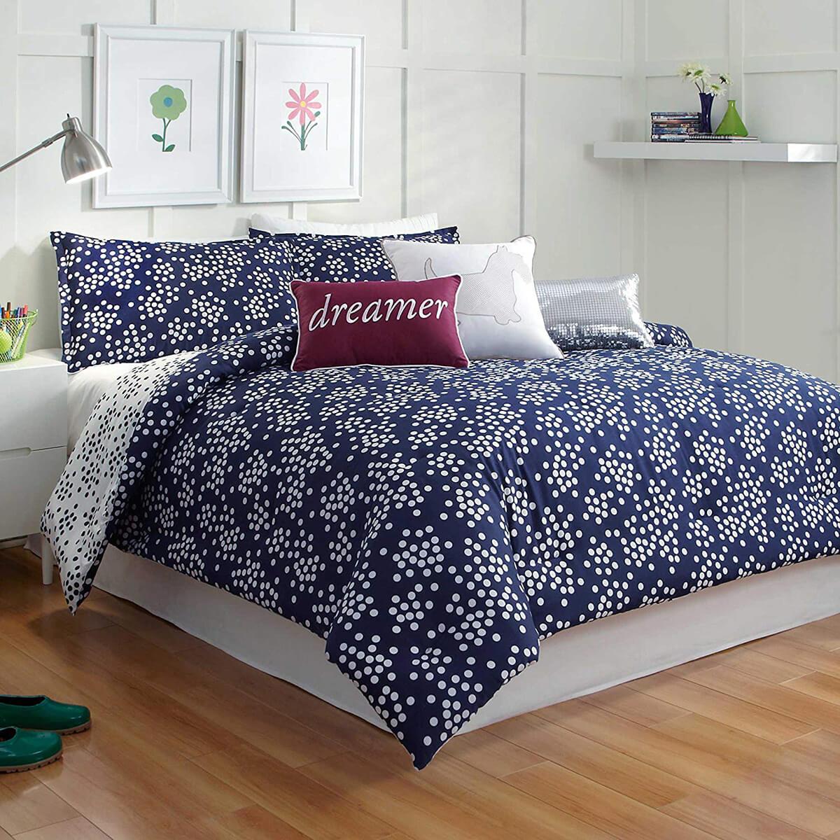 спальня в тёмно-синих тонах фото 9