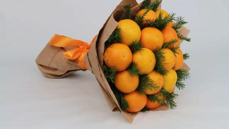 sdelajte chudesnyj novogodnij podarok iz mandarinov svoimi rukami