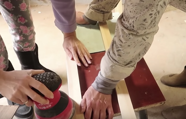 stilnaja veshalka iz podruchnyh materialov kotoraja ukrasit ljubuju komnatu