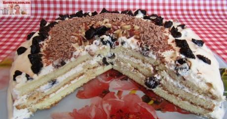 tort na sguschenke so smetannym kremom i chernoslivom 1