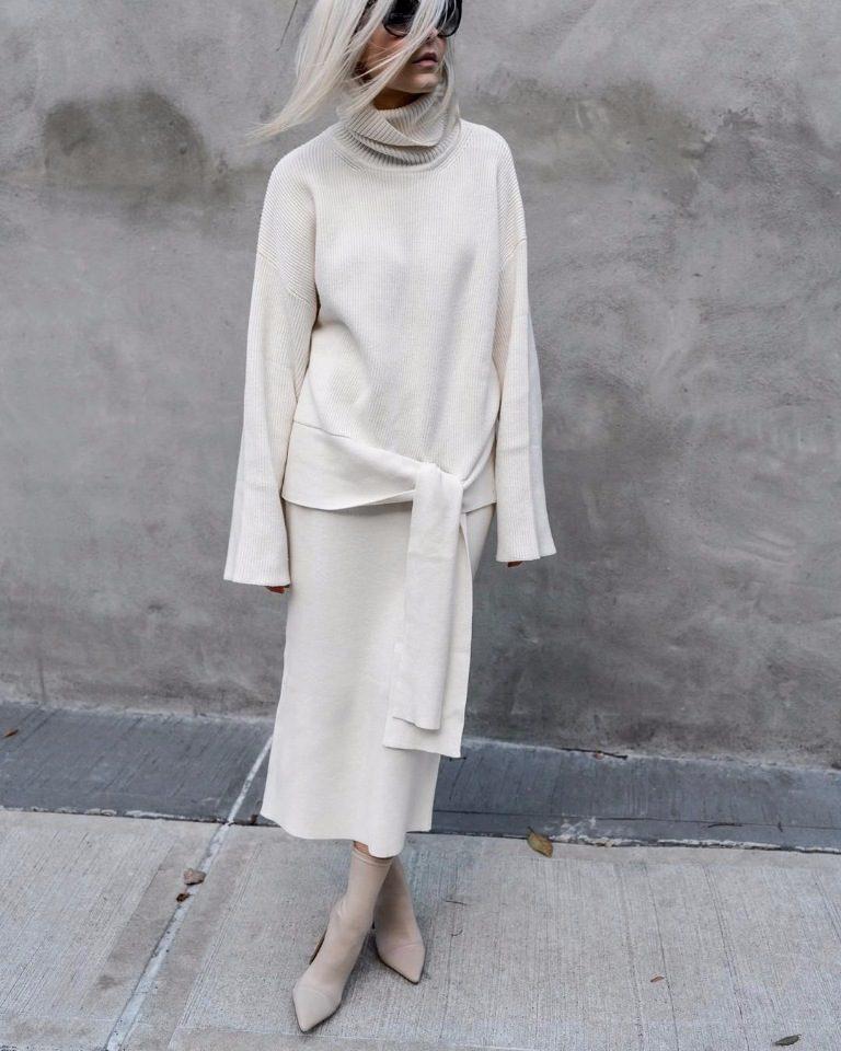 Модные зимние образы в белом цвете фото 17
