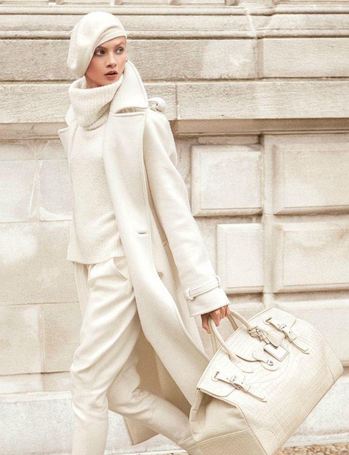 Модные зимние образы в белом цвете фото 1