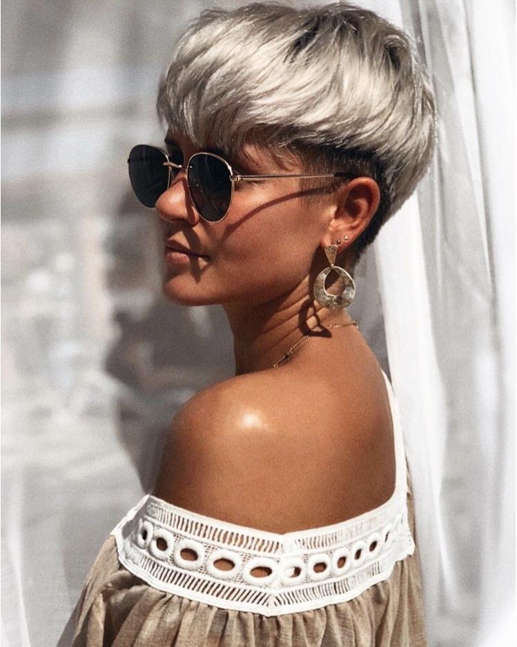 светлые стрижки на короткие волосы 2020 фото 5