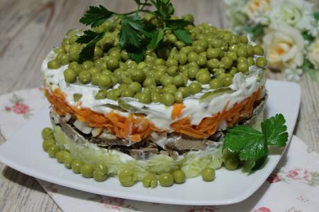 40vkusnyj i prostoj sloenyj salat s kurinoj pechenju repeticija k novomu godu 1