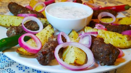 chevapchichi s kartofelem po derevenski 1