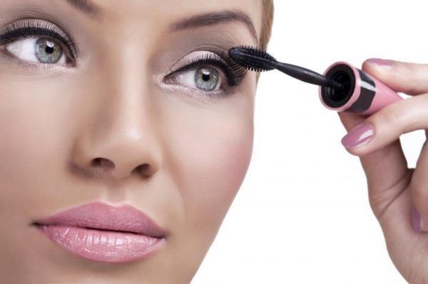 osnovnye oshibki dopuskaemye vo vremja makijazha glaz 65f1ba1