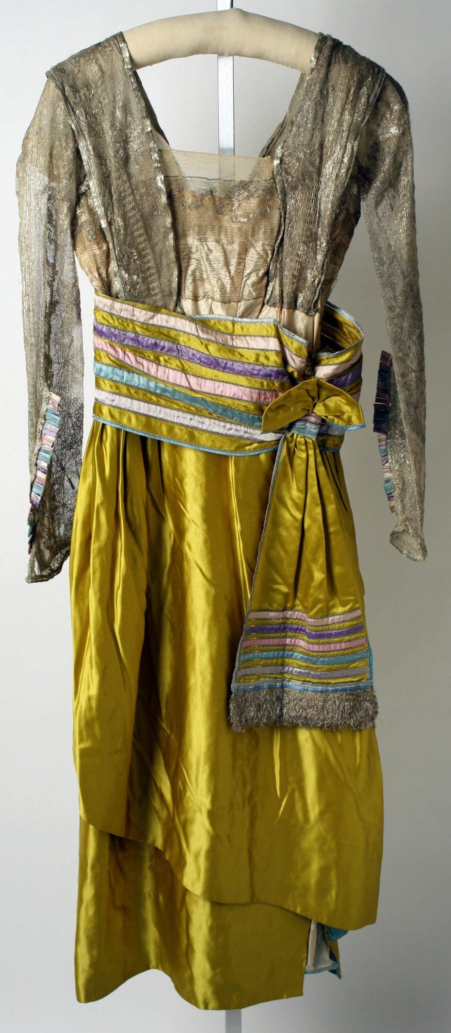 platja kotorye vybirali modnicy proshlogo veka dlja prazdnovanija novogo goda