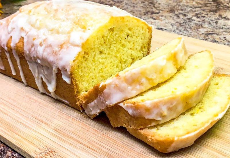 prostoj i vkusnyj keks s pomadkoj